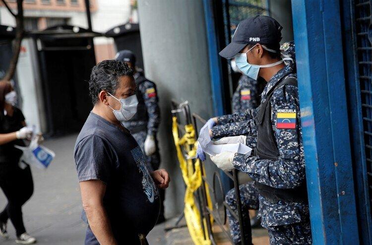 El número de contagios asciende a 107 en Venezuela (REUTERS/Manaure Quintero)