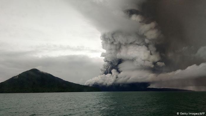 Al menos 439 personas murieron en la erupción del Anak Krakatoa en 2018.