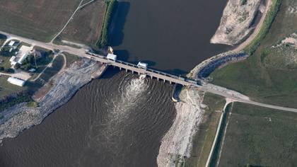 El hijo de Albert Einstein, Hans A. Einstein, fue el ingeniero que resolvió una estructura triple para desviar el 70% del caudal del Mississippi en Louisiana e impedir la destrucción de Nueva Orleans. (AP)