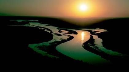 Caudaloso y caprichoso, el río Mississippi atraviesa los EEUU desde Minnesota hasta Louisiana, pasando por los estados de Wisconsin, Iowa, Illinois, Missouri, Kentucky, Tennessee, Arkansas y Mississippi. (Granger/Shutterstock)