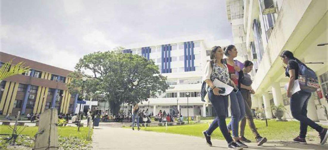 La universidad tiene en sus planes normalizar el retorno a las aulas
