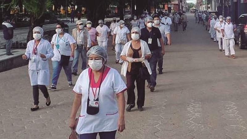Se cumplen 2 meses de cuarentena entre carencias, ataque a médicos y corrupción