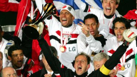 """Exfutbolista brasileño campeón del Mundial de Clubes: """"Vendí la medalla para comprar cocaína y la usé en dos días"""""""