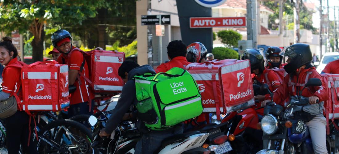 En Santa Cruz mucha gente se dedica a prestar el servicio de entrega a domicilio. Foto. Internet
