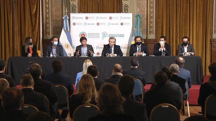 La mesa central que lideraron Alberto Fernández y Axel Kicillof