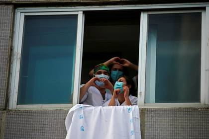 Personal médico del hospital La Paz en Madrid (Reuters)
