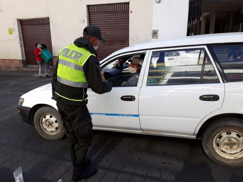 La Alcaldía deja sin efecto permisos de circulación para vehículos particulares
