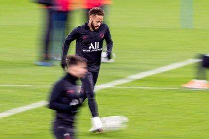 El delantero brasileño del PSG, Neymar, durante un entrenamiento. EFE/ Rodrigo Jiménez/Archivo