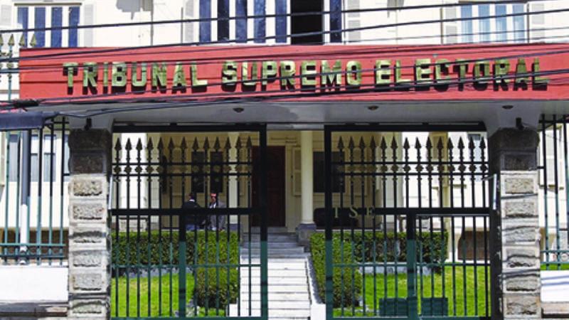 Doria Medina recuerda al TSE que una ley le pide querellarse por fraude electoral