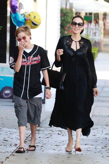 Angelina Jolie y Shiloh Pitt-Jolie (Grosby)