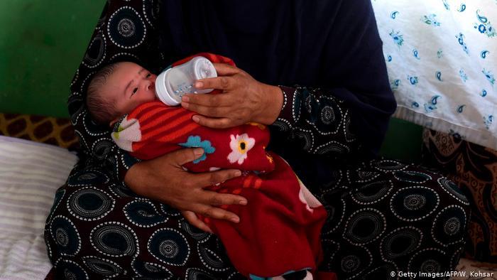 Afghanistan Kabul   Überlebende einer Attacke auf ein Krankenhaus (Getty Images/AFP/W. Kohsar)