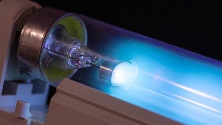 La luz ultravioleta UV-C 'desactiva' el virus COVID-19 en 6 segundos