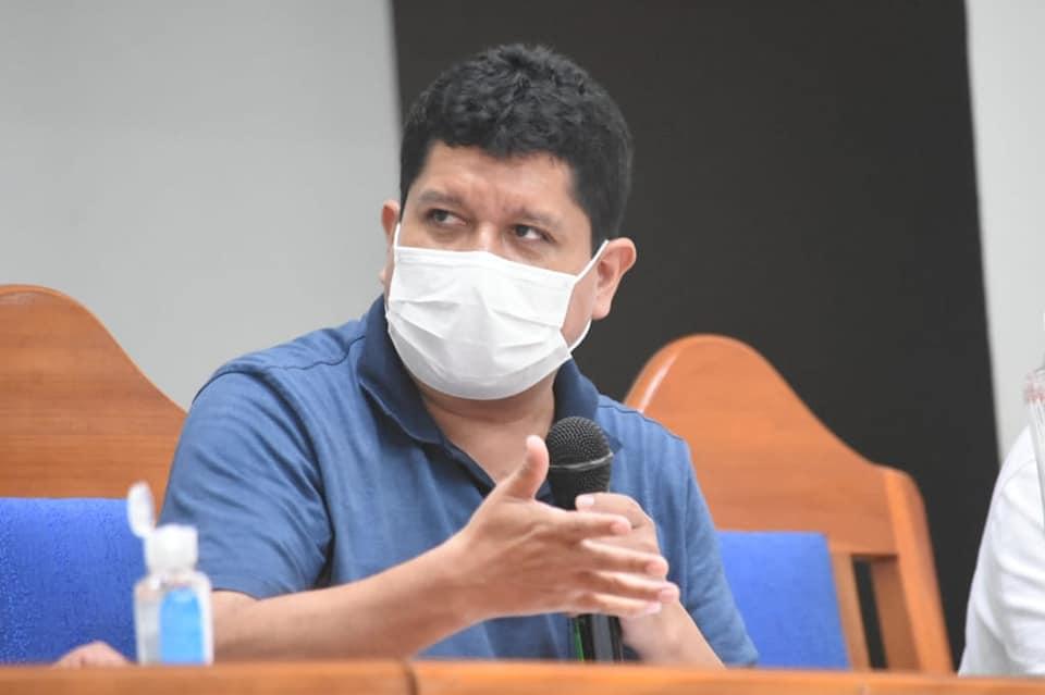 Internan de emergencia al gobernador de Pando, Luis Flores, por ...