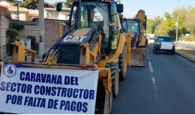 Caravana-de-maquinaria-pesada-Foto-Opinion-Bolivia