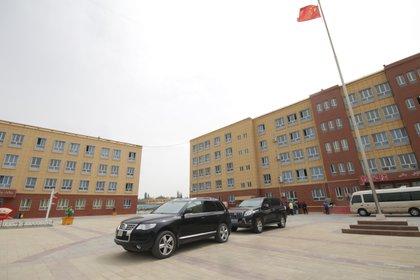 Uno de los centros de detención donde son destinados aquellos musulmanes que según el régimen no cumplen con las leyes. La minoría islámica es perseguida por Beijing y es víctima de violaciones a sus derechos humanos (Shutterstock)