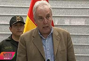 Ministro Carlos Díaz se aleja del Gabinete temporalmente.
