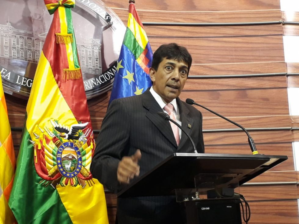 Zamora admite millonario pago de transporte de gas condicionado por Petrobras