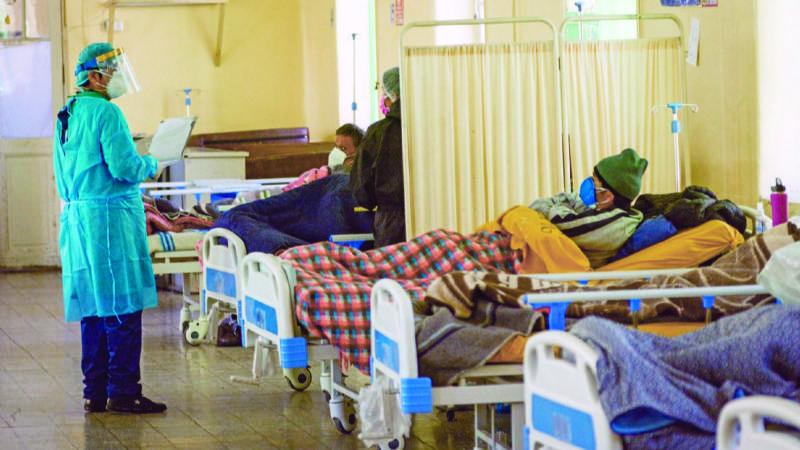 Alertan escasez de insumos para pacientes en terapia intensiva