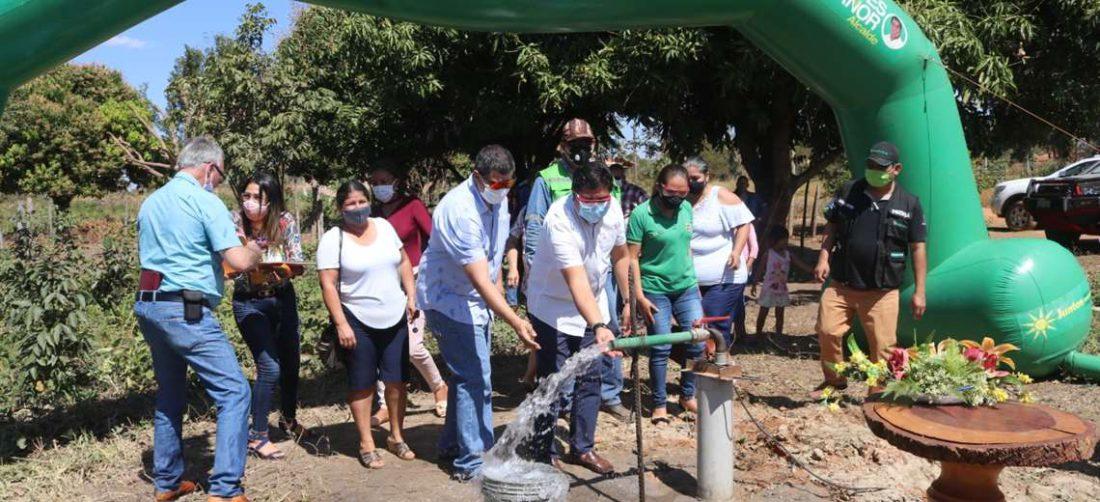 El pozo de agua inaugurado. Foto Carlos Quinquiví
