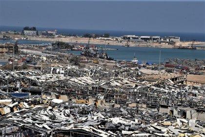 El Líbano, el oasis de Oriente Medio, devastado por la explosión y la muerte (EFE/EPA/NABIL MOUNZER)