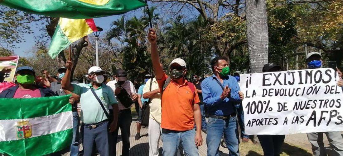Los aportantes a las AFP siguen en alerta. Foto: Hernán Virgo