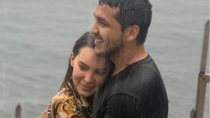La Voz México confirmó la noticia con una imagen de la pareja abrazándose (Foto: Instagram@ lavoztvazteca)