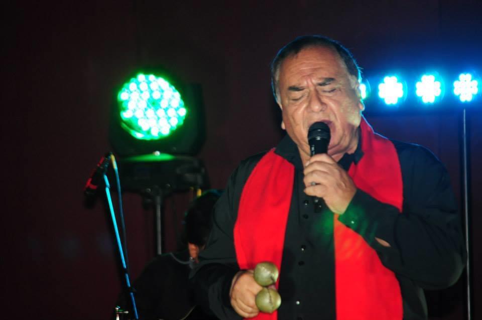 Rodolfo Saavedra en un concierto con Roberto y Eddy Navia. CORTESÍA