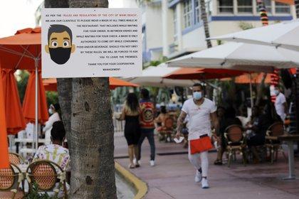 El restaurante informó a los clientes de las medidas de precaución que se tomarían (Foto: AP/Lynne Sladky)