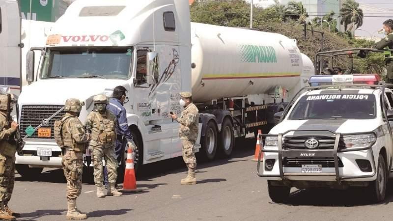 Militarizan instituciones, convoy de oxígeno va rumbo a occidente