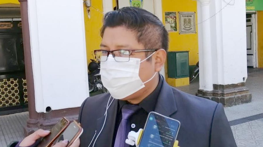 El director del Servicio Departamental de Salud (SEDES), Yercin Mamani. OPINIÓN