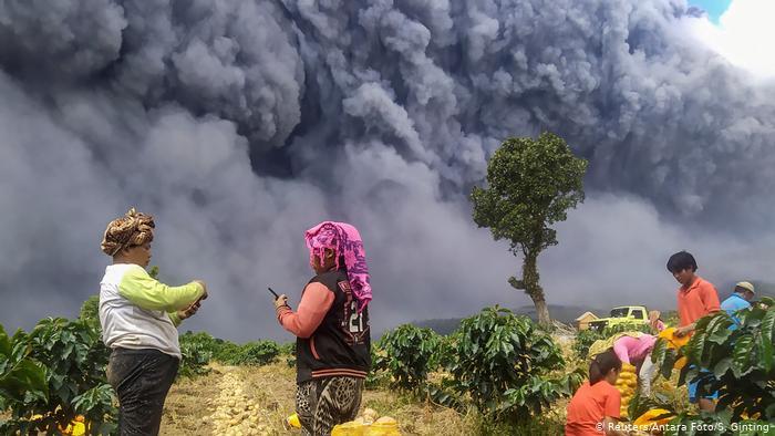 Hay alerta entre la población próxima al Sinabung