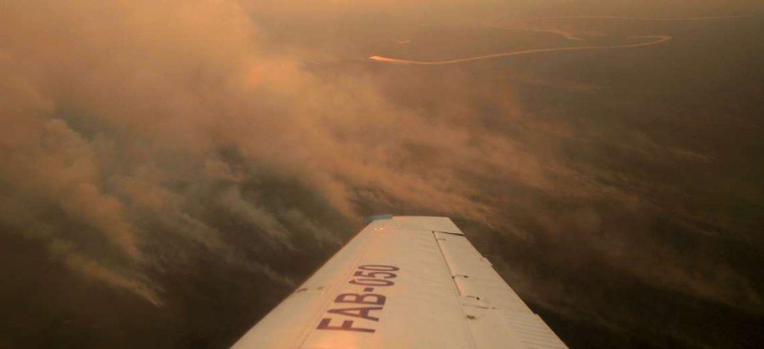 En Santa Cruz se reportan tres incendios forestales activos. Foto Jorge Uechi