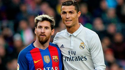 Ronaldo y Messi se enfrentaron en múltiples ocasiones dentro del campo