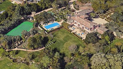 La nueva mansión de Harry y Meghan Markle cuenta con 16 baños y 1.300 metros cuadrados, court de tenis, piscina, un espacio recreacional para Archie y otras comodidades (Google Maps)