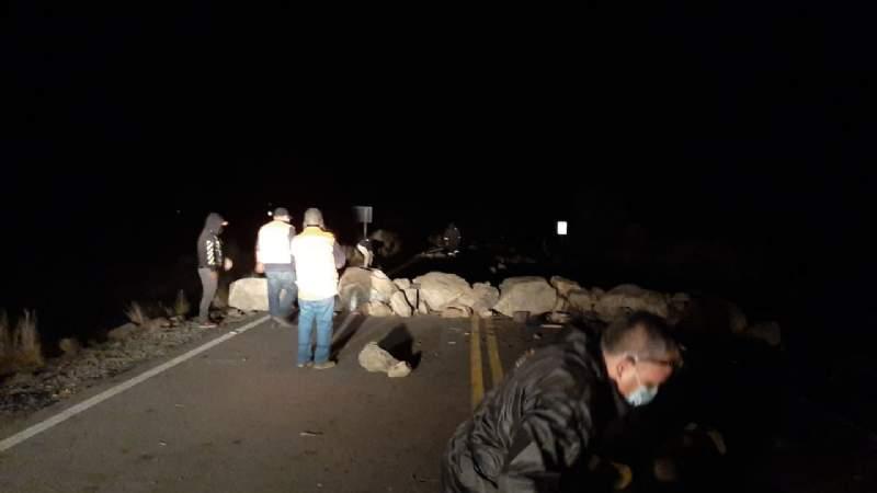 Reportan nuevo derrumbe provocado por bloqueadores en la vía Cochabamba-Chuquisaca
