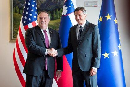 Mike Pompeo y el presidente esloveno, Borut Pahor (Reuters)