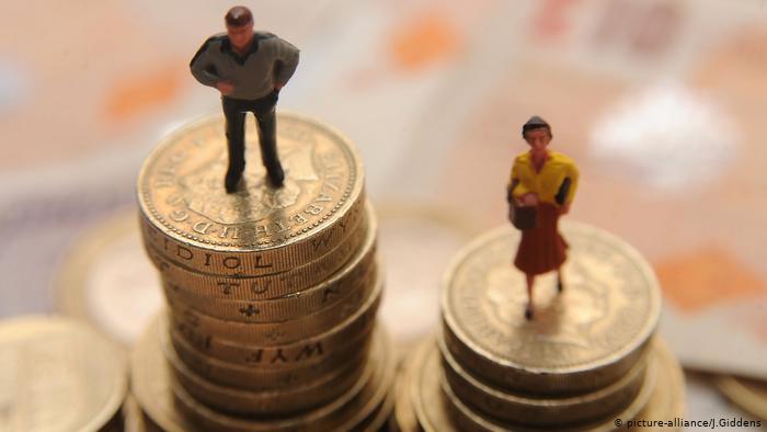 Geschlechtliche Lohnunterschiede (picture-alliance/J.Giddens)