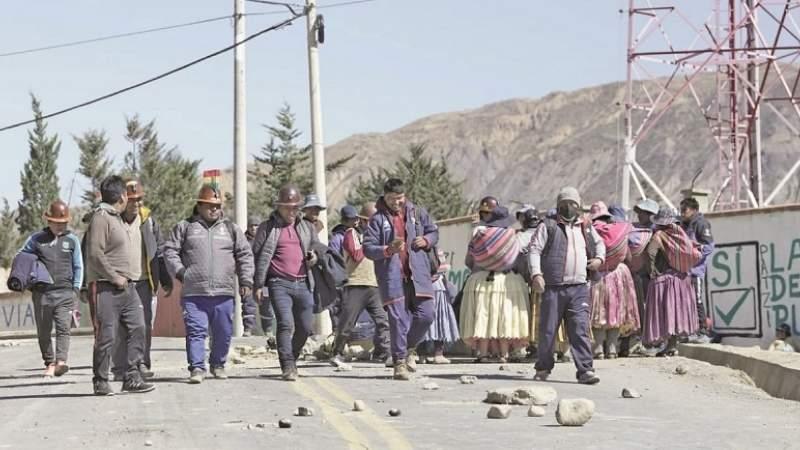 En zozobra, vecinos de la periferia se sienten secuestrados por los bloqueos