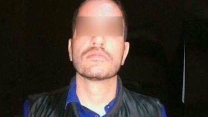 """Los familiares de Julio César """"C"""" acudieron ante el Ministerio Público para identificar el cuerpo y que éste, posteriormente, se les entregara (Foto: Twitter @metropolimxbcs)"""