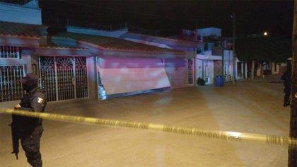 El Universal informó que César Carrillo fue atacado por dos personas que lo esperaban a las afueras de su domicilio: el ataque se habría dado desde un vehículo Nissan de modelo reciente (Foto: Twitter@larana001)