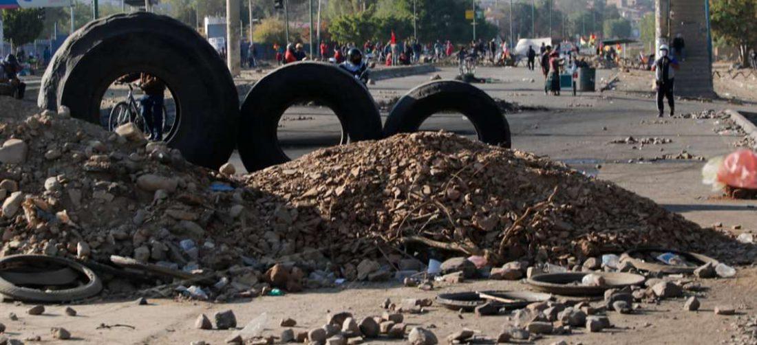 Los bloqueos persisten en algunas regiones del país/Foto: APG