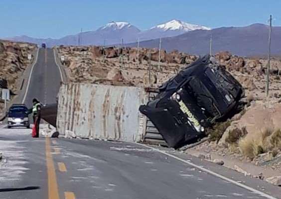 Accidentes en carreteras I redes sociales.