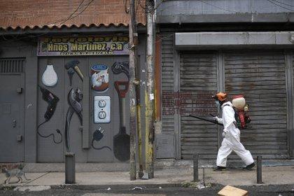 Desinfecciones en Caracas (AP)
