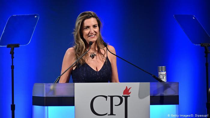 La periodista brasileña Patricia Campos Mello recibió el Premio a la Libertad de Prensa en 2019.