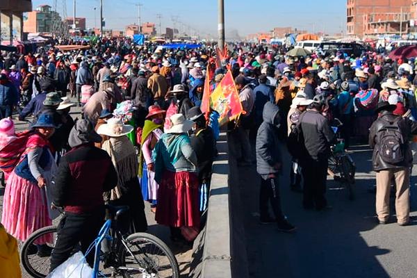 Bloqueos en El Alto Foto: Alexis Demarco / @apgnoticiasbo