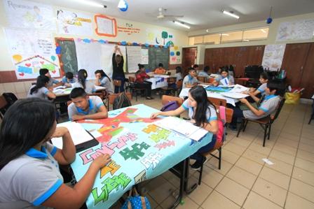Análisis del sistema educativo boliviano, expertos cuestionan ...
