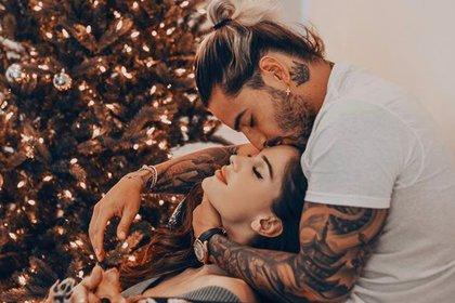 """Natalia Barulich y Maluma se conocieron en la filmación del video """"Felices los 4"""" (Instagram)"""
