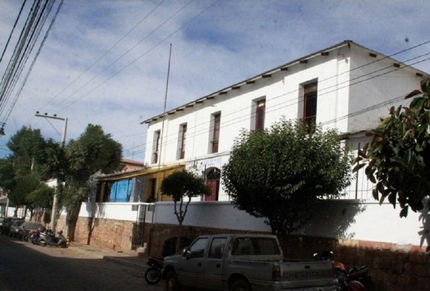 Dictan detención domiciliaria para exprefecto de Chuquisaca, acusado de violación