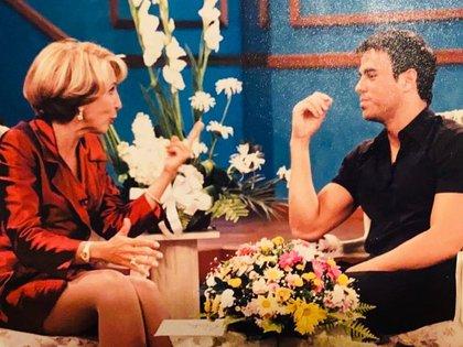 Compartió el set de su programa con invitados como Enrique Iglesias (Foto: Instagram)