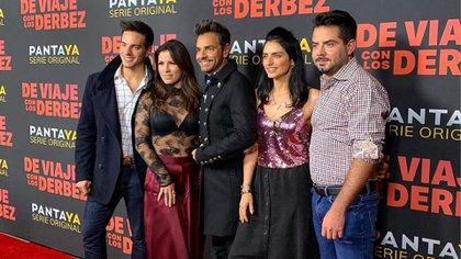Los Derbez han incursionado en el cine, la comedia y la música (Foto: Instagram@ederbez)